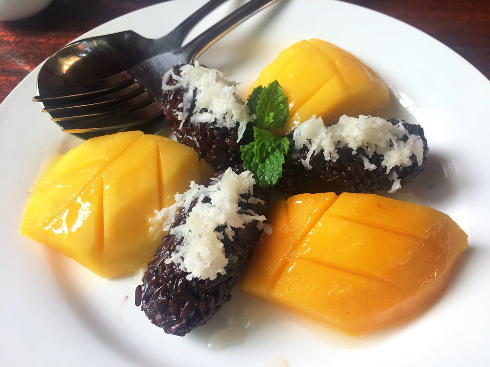 A nice version of the mango sticky rice at Romdeng Restaurant
