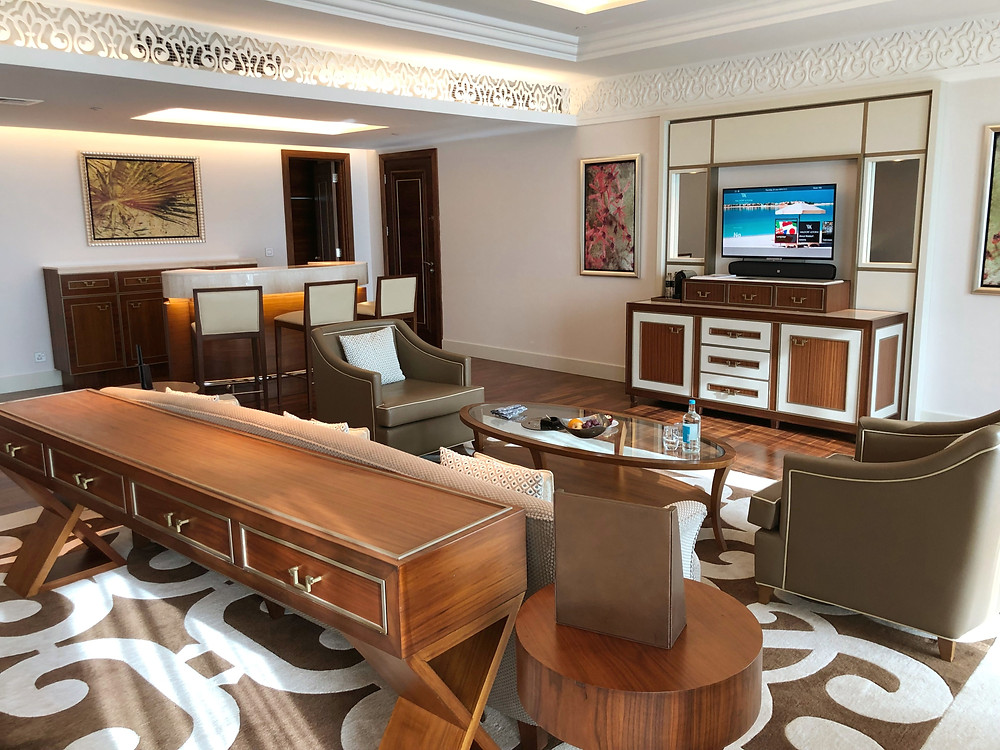 Waldorf Astoria Suite with Sea View - Check out the space available just to watch some television