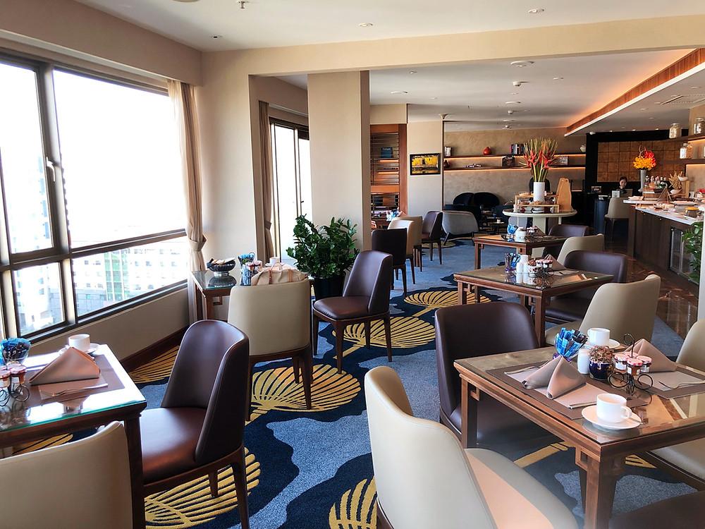 Club Sofitel Lounge - View of the club lounge