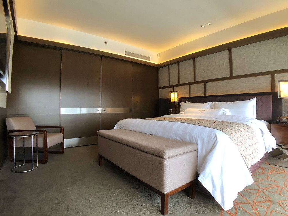 Pacific Skyline Suite - View of the bedroom