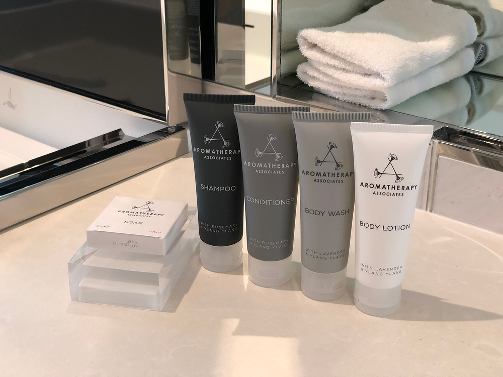 Premier Marina Bay View Suite - You won't feel dirty with Aromatherapy Associates toiletries