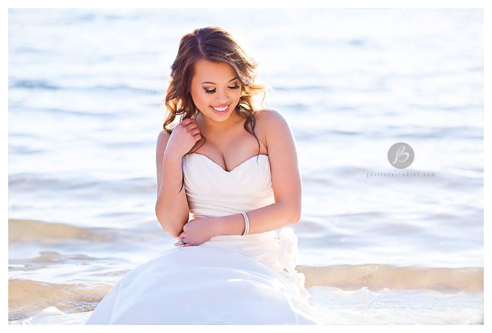 Romantic Chic Asian Bride