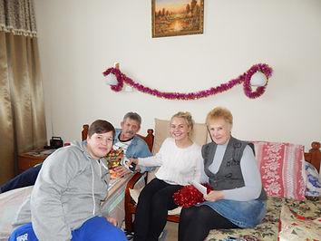 Сценарий дня именинника в доме для престарелых частные дома на крыше в москве