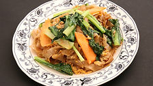 PAT KEEMONKUN_Fried Rice Noodles with Ba