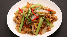 PAT KEMONKUN_Fried Rice Noodles with Bas