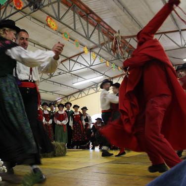 Se desmonteghea 2017 sfilata dei gruppi folk