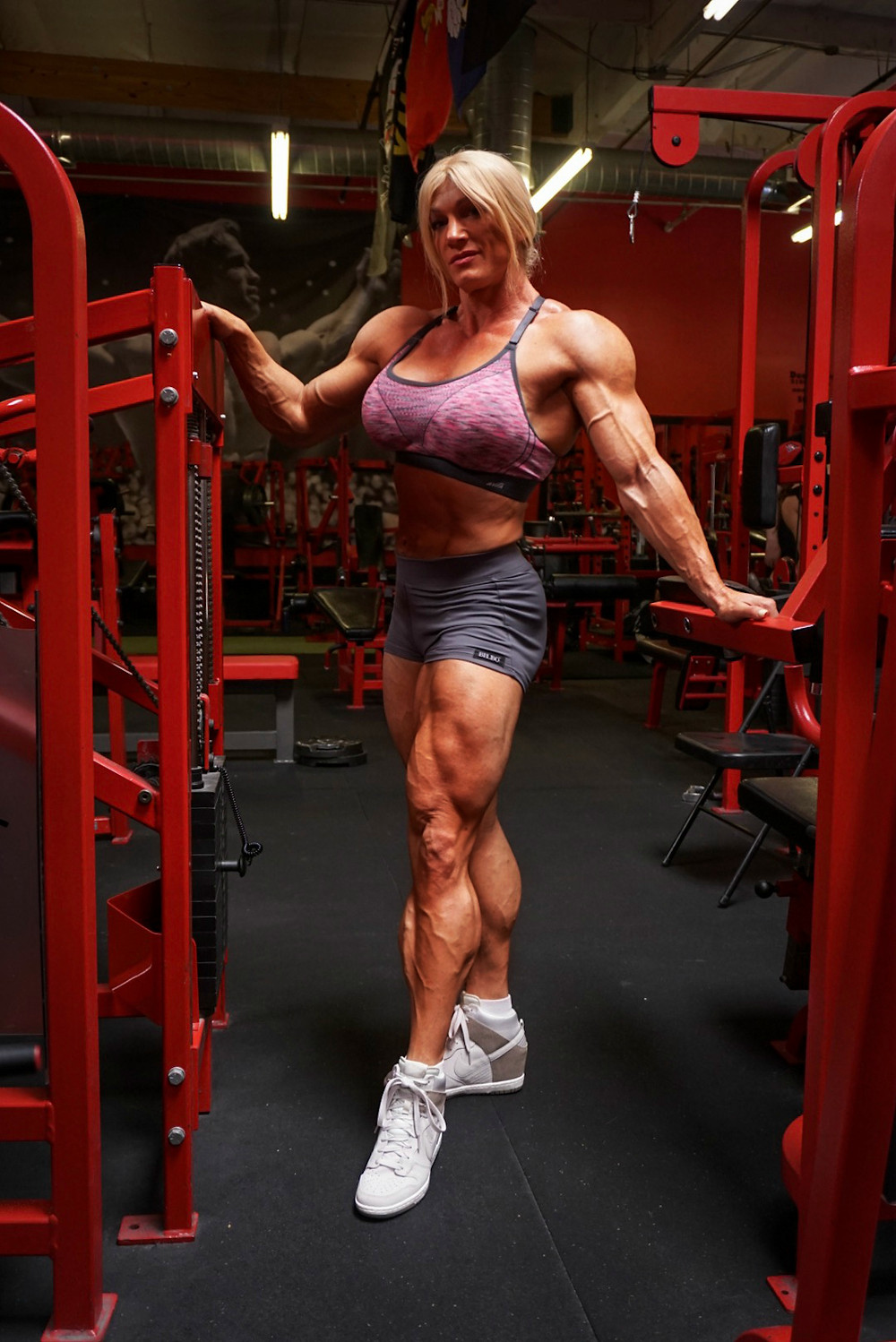 #bodybuilder #muscles #legs #strong