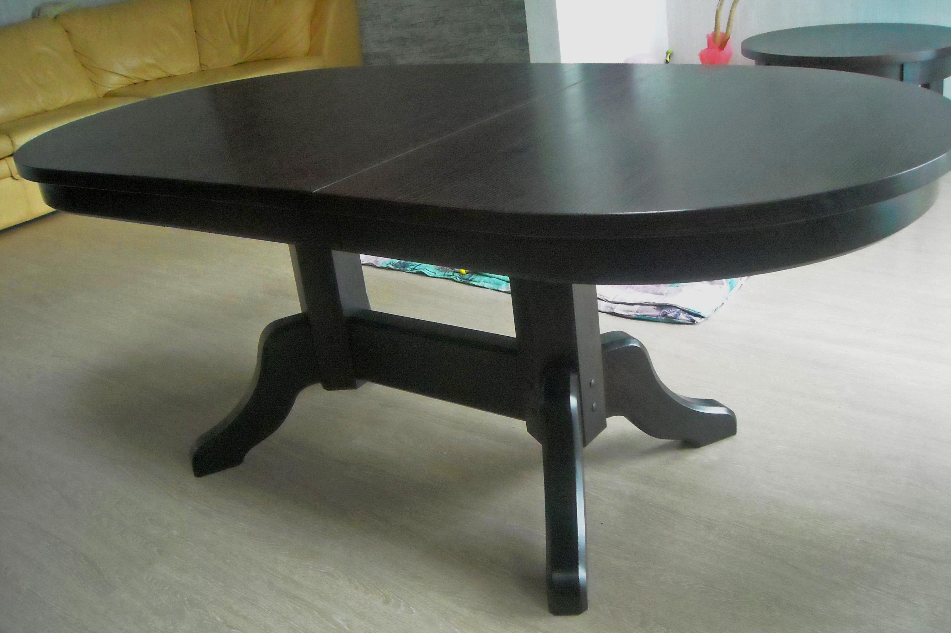 Finierēts oša galds, izvelkams