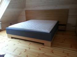 Ozola finierēta gulta