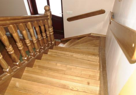 Oša beicētas kāpnes