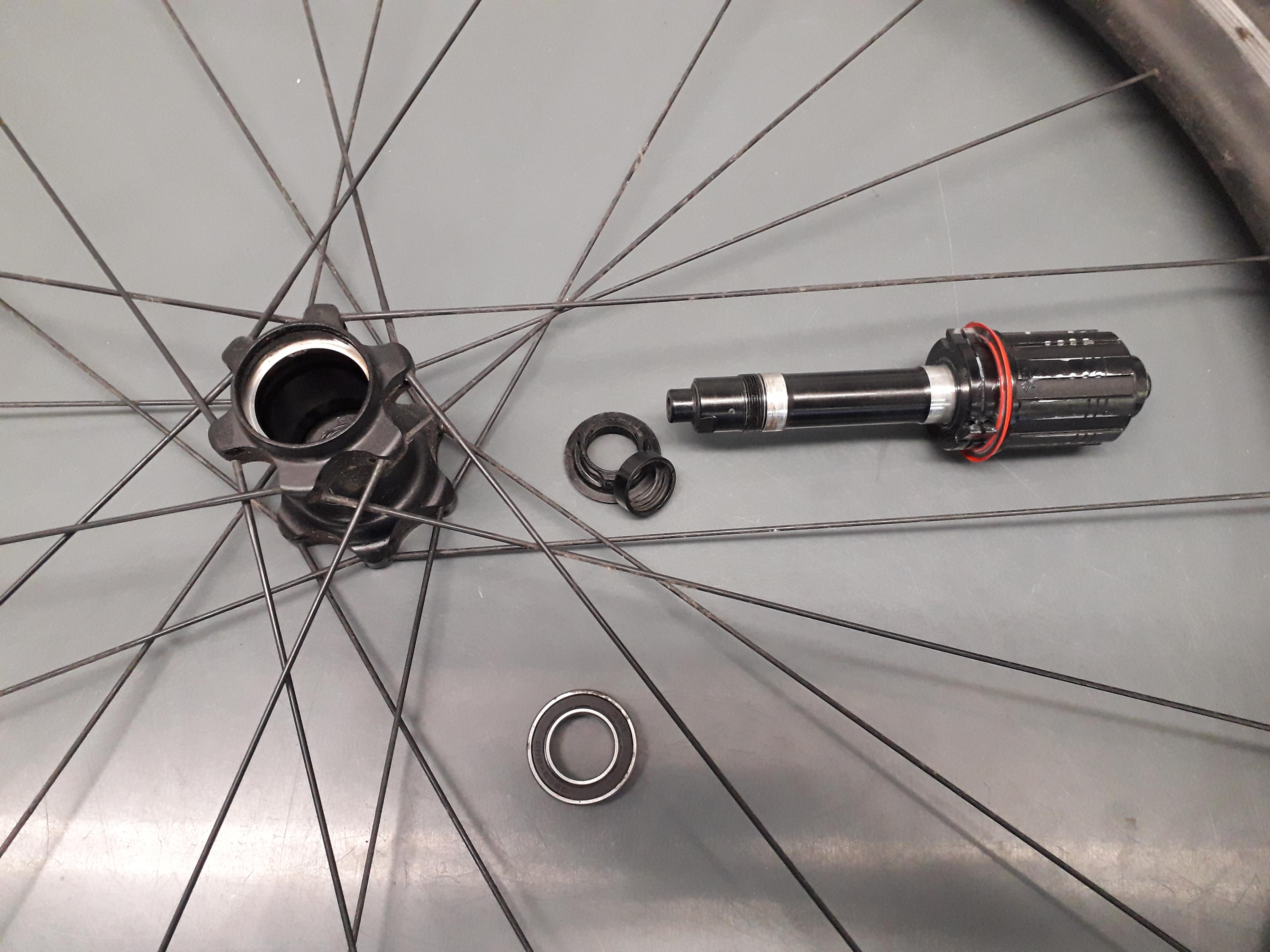 Rear wheel hub stripped down