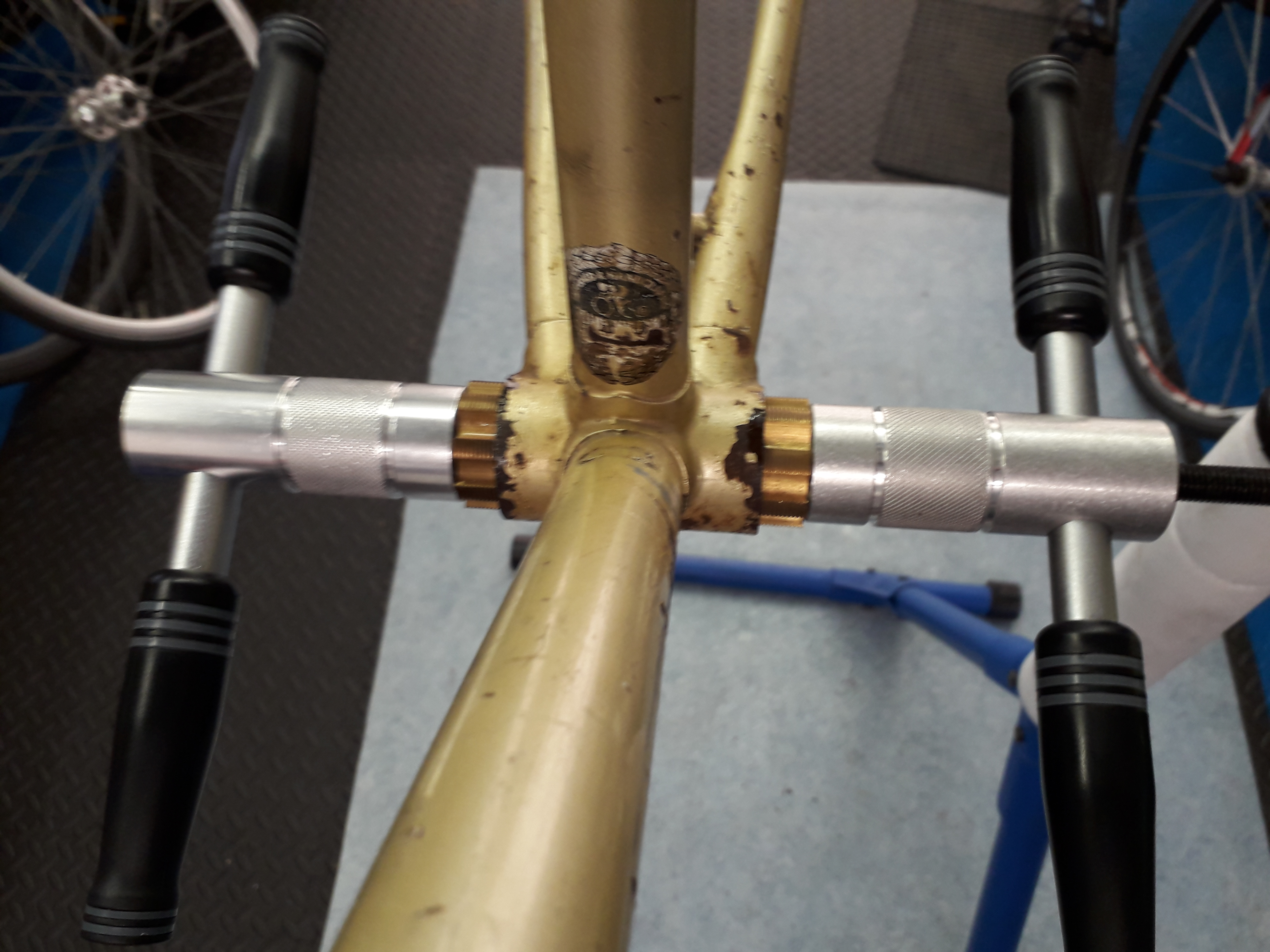 Bottom bracket facing & tapping tool in action