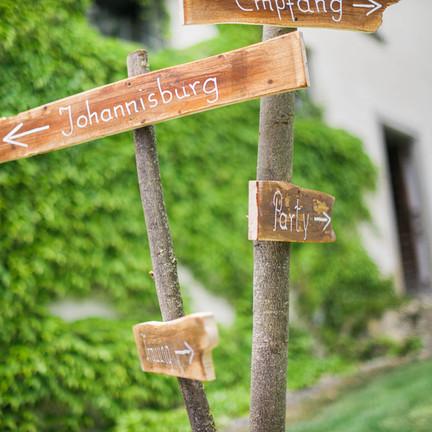 Hochzeit-auf-der-Maisenburg_Scheunenhochzeit_3.jpg