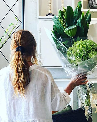 HOUSE BLOOMS🍃 Pre-order your FLORIST'S