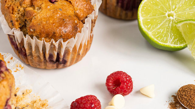 Muffin framboises, lime et chocolat blanc - individuel