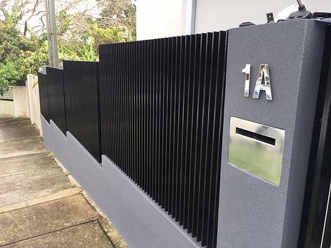 Aluminium Vertical Slat Screen