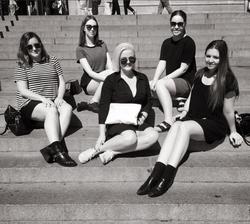 Karissa Dunn and fellow students on the Gossip Girl Tour