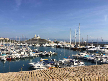 Dilbar is berthed in Antibes