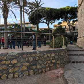 """Playing """"pétanque"""" in Antibes"""