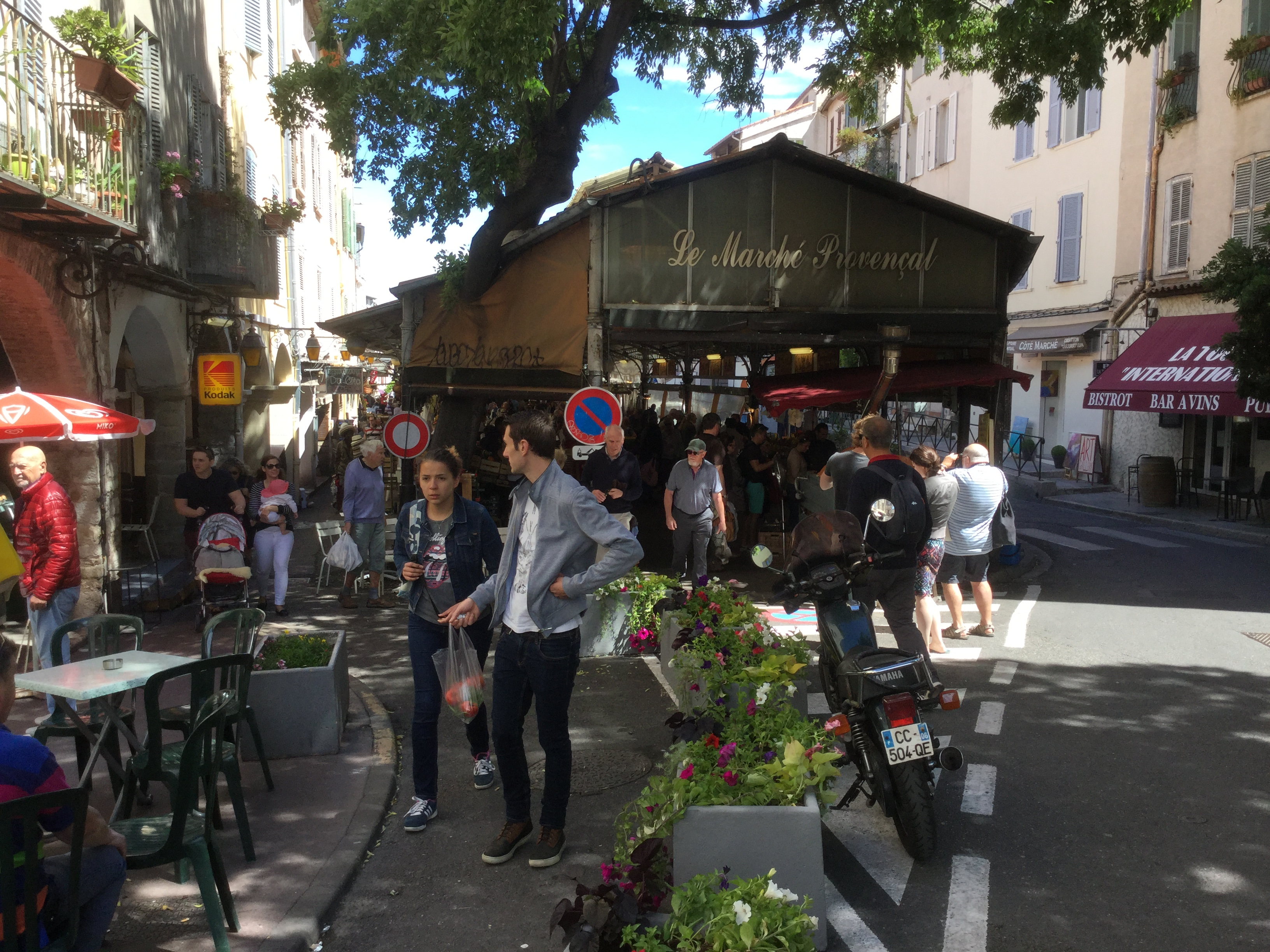 Marché_provencal_Antibes_1