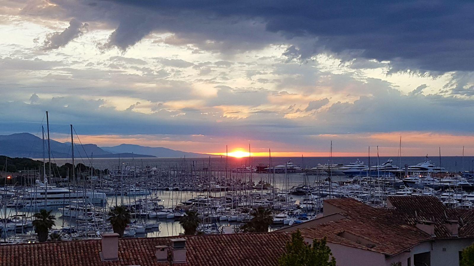 sundown port vauban