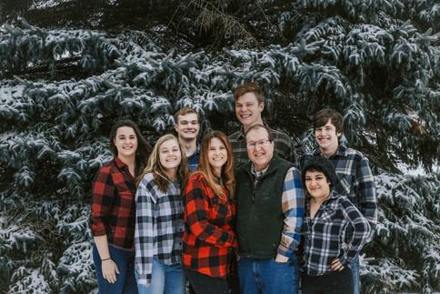 best snowy family photography minnesota