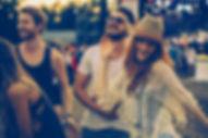 La gente bailando en concierto