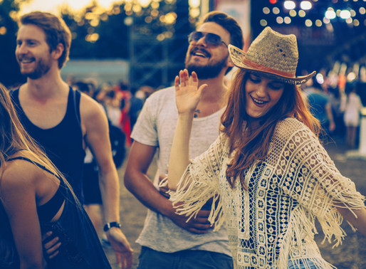 Why You Should Have Date Night with Couple Friends