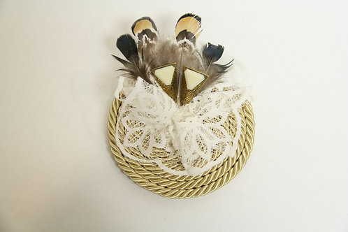 feathered lace roped brooch