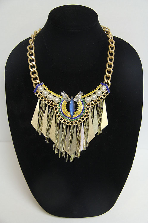 blue diamond and  pearl studded necklace