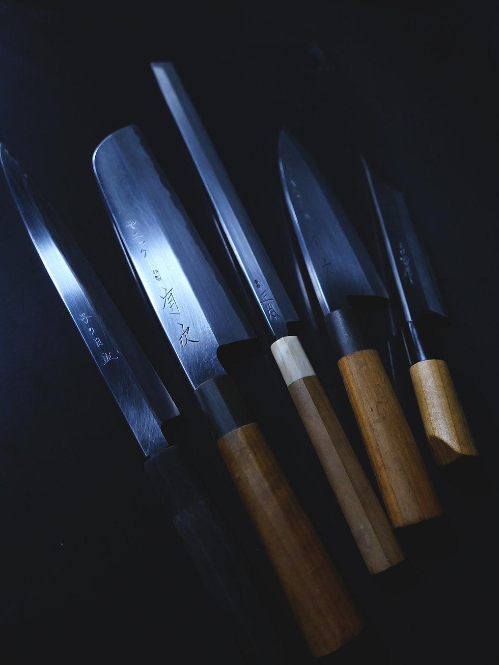 knives s.jpg