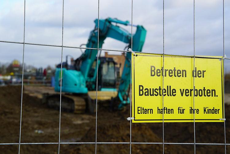 TJ MA Baustelle Bagger Betreten Verboten