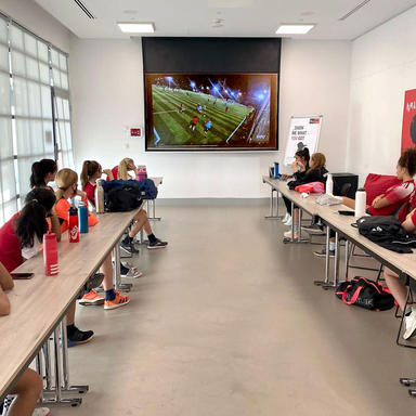 girls-football-academy-dubai-soccer-school-ladies-kids-03.jpg