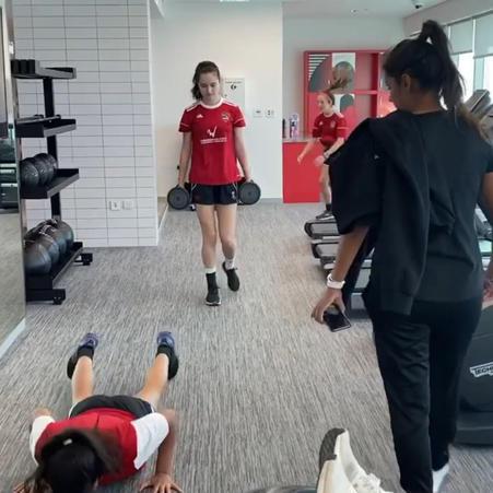 girls-football-academy-dubai-soccer-school-ladies-kids-04.jpg