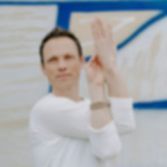 Julien Levy Yoga 01.jpg