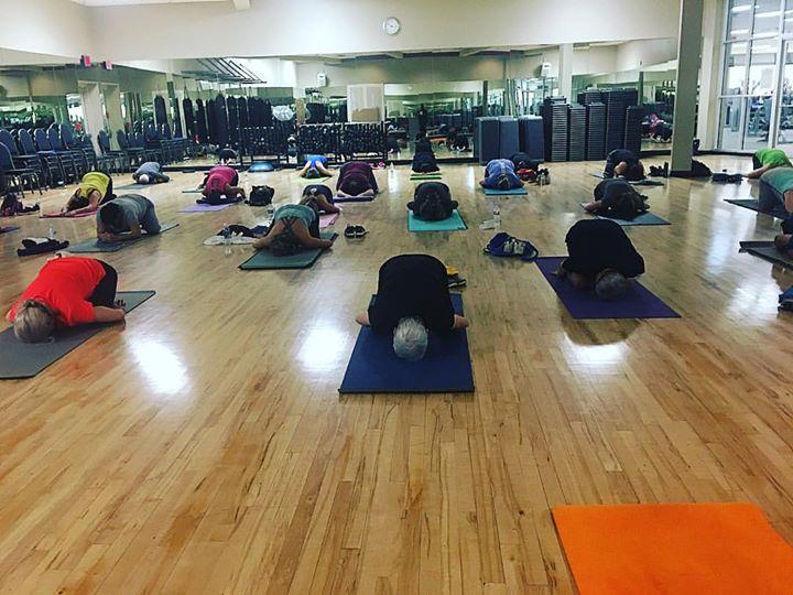 Full house! I love YOGA! __#yogajournalconference _#yogadoesabodygood_www.yogandahood