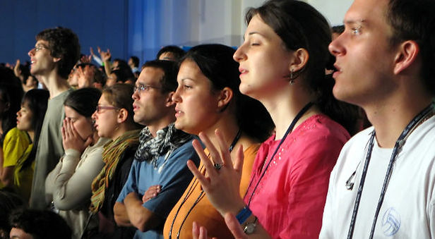church-service-young-worshippers-freeima