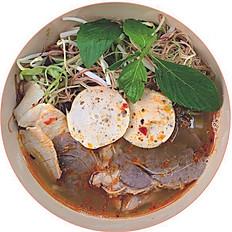 Bún Bò Huế | Hue Beef Noodles Soup