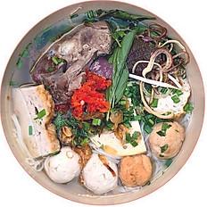Bún Mọc | Vermicelli Soup with Sausage Ball