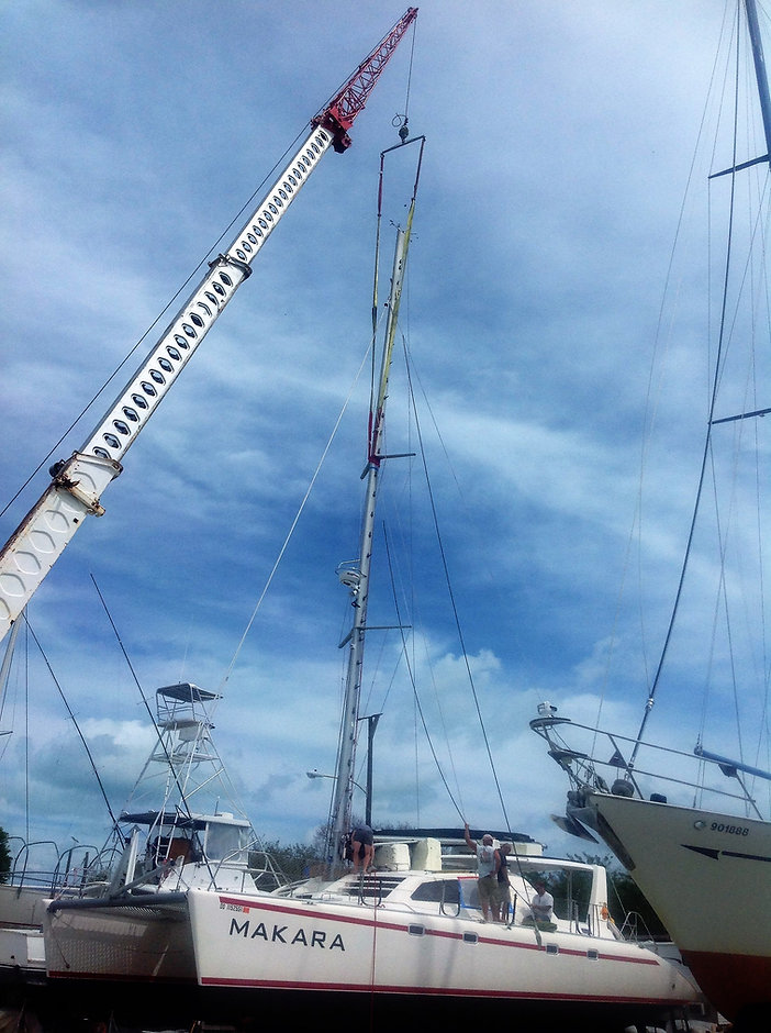 Rigging a boat at Catamaran Boatyard