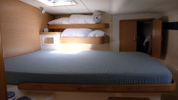 Forward berth starboard
