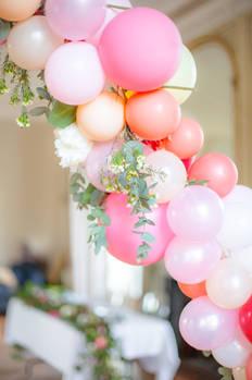 ballons et fleurs