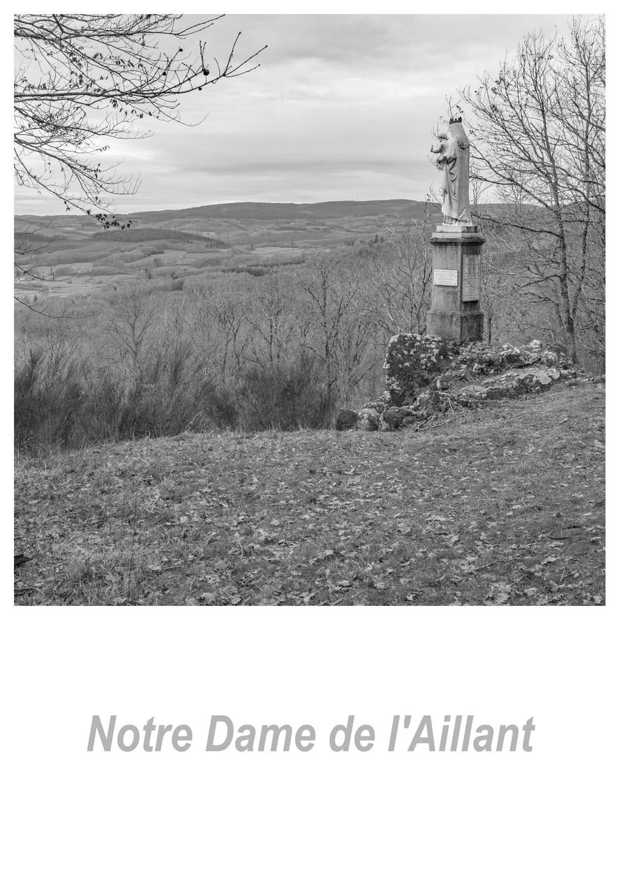 Notre Dame de l'Aillant 1.1w.jpg