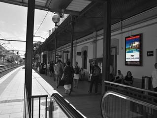 Publicitat a l'estació de Sitges
