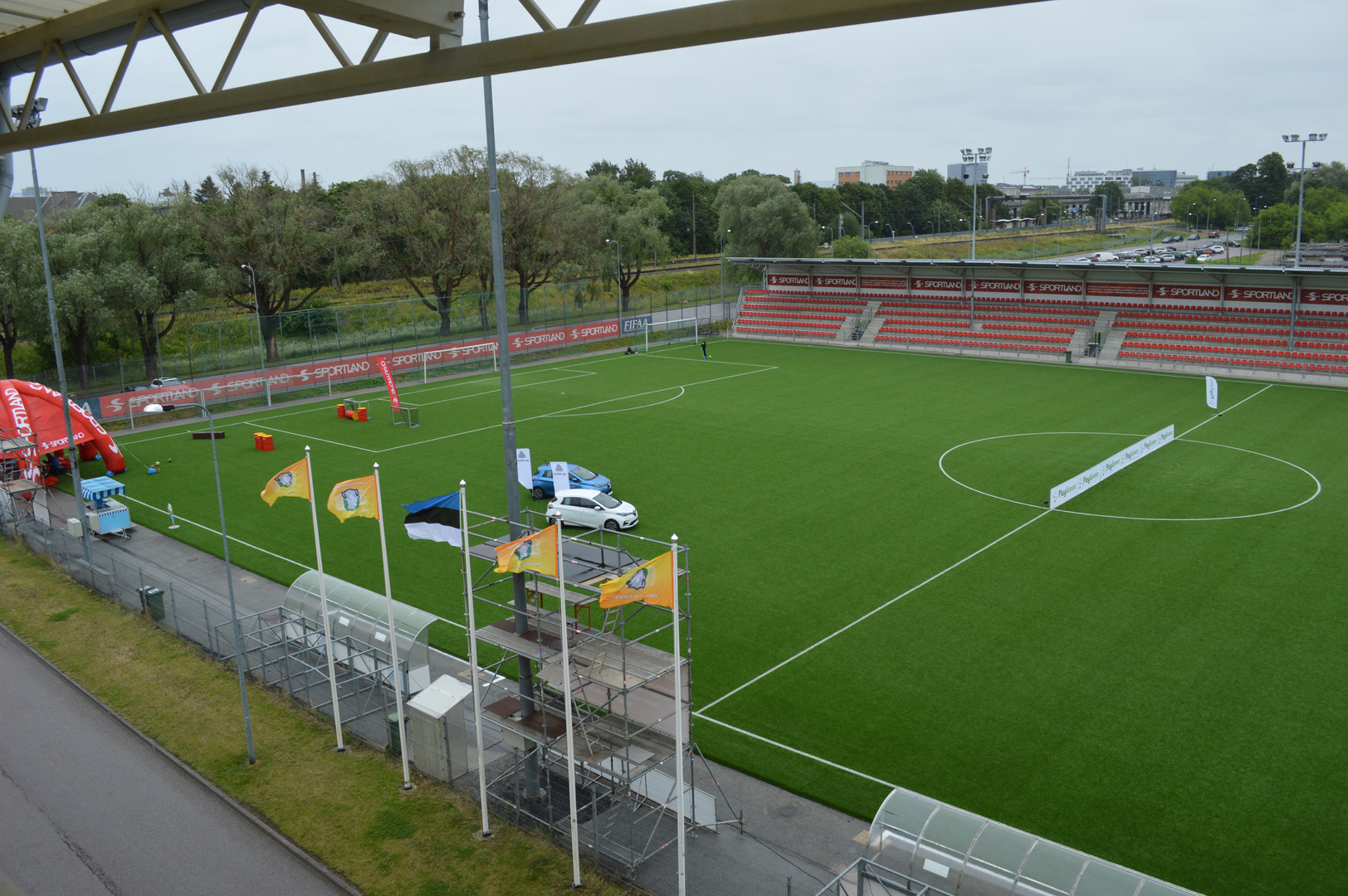 PG Dau 04.07.2020 stadion is rady.JPG