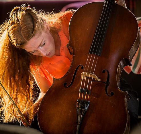 Singing cellist