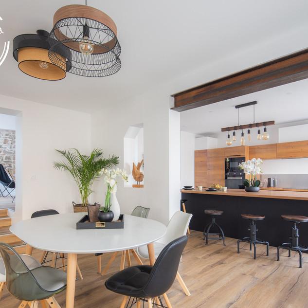 Entre l'espace salle à manger et cuisine