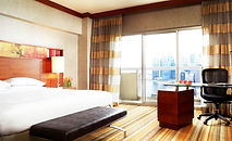 WHERE-TO-STAY-Swissotel-The-Stamford.jpg