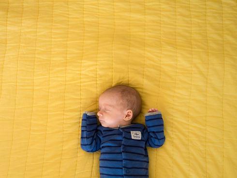 high contrast newborn picture