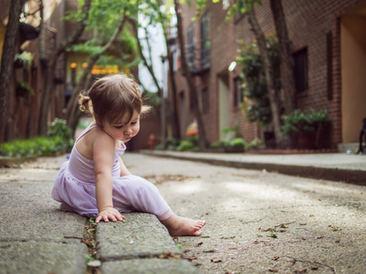girl on the street in philadelphia